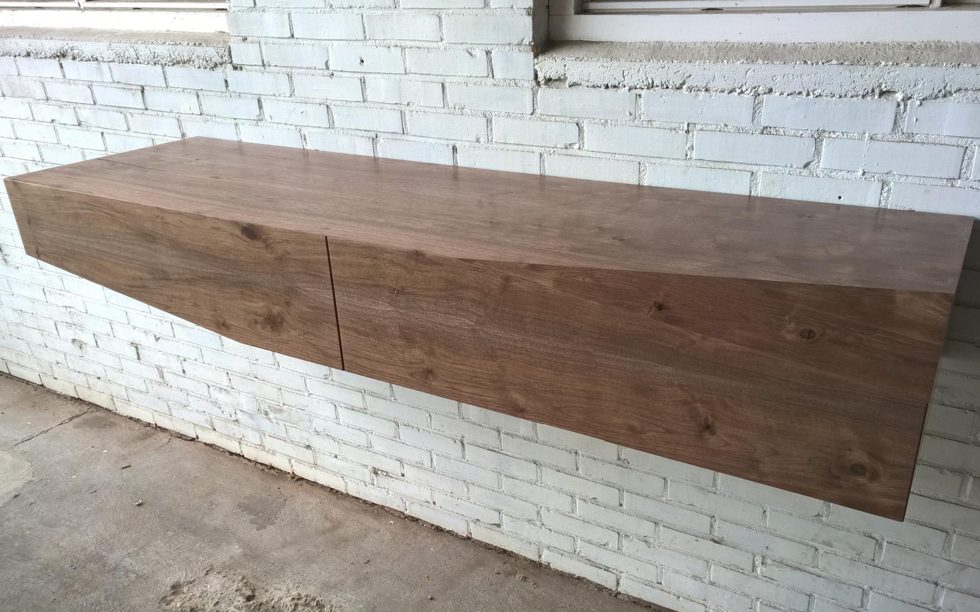 Amerikaans notenhout meubel sculptuur