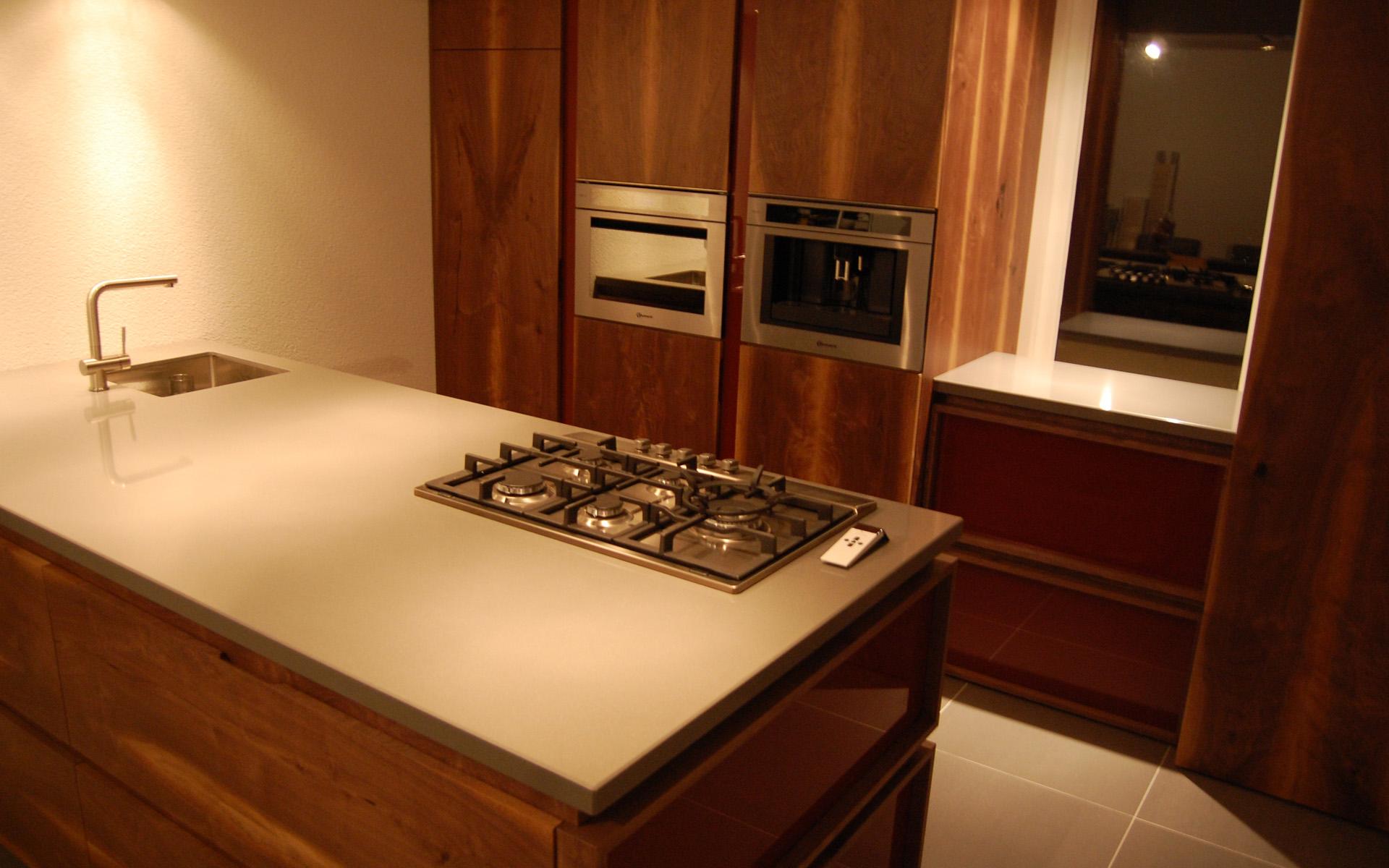Keuken amerikaans notenhout 03 studio sool - Meubels studio keuken ...