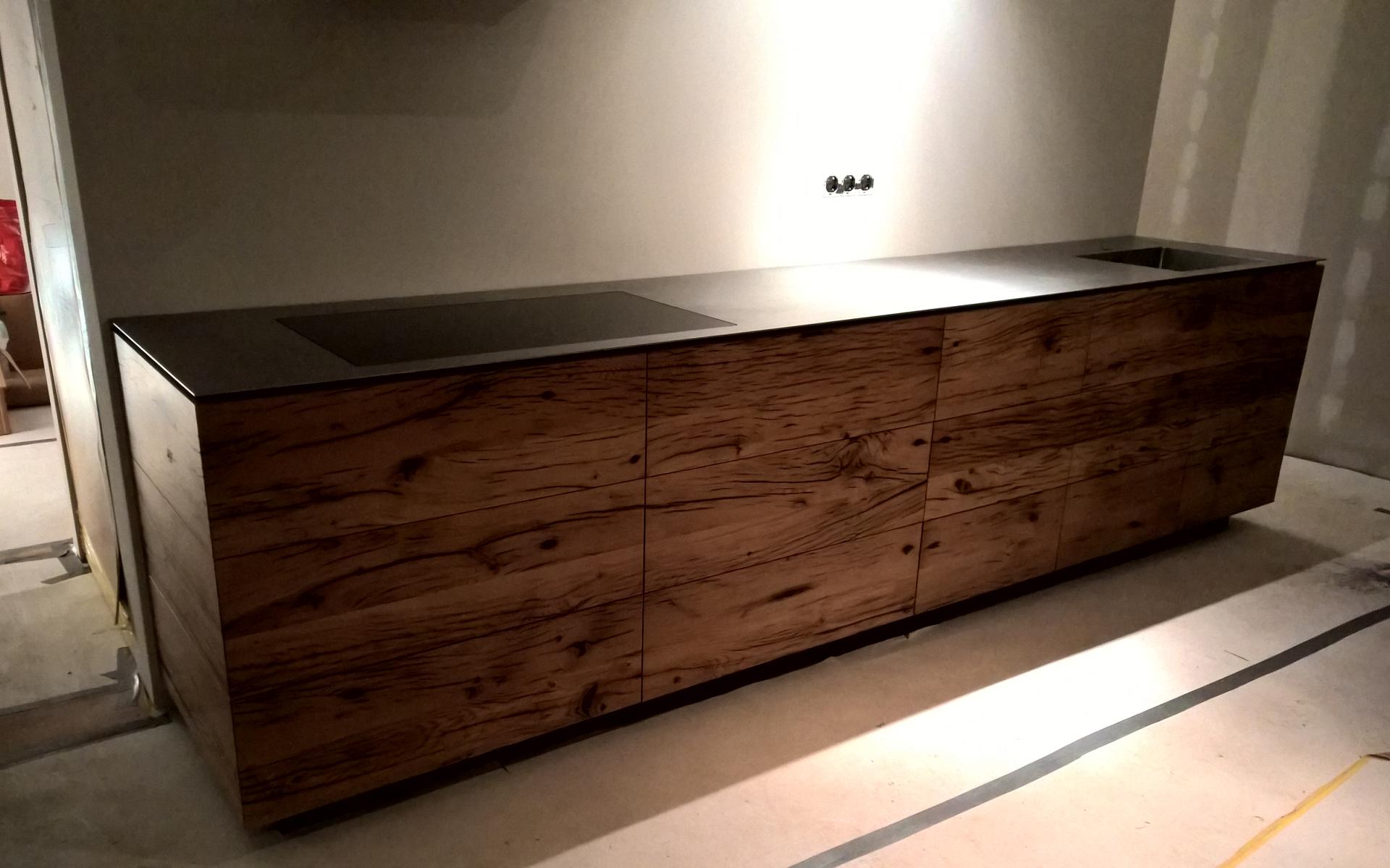 Wagondelen keuken opgeleverd studio sool tafels - Meubels studio keuken ...